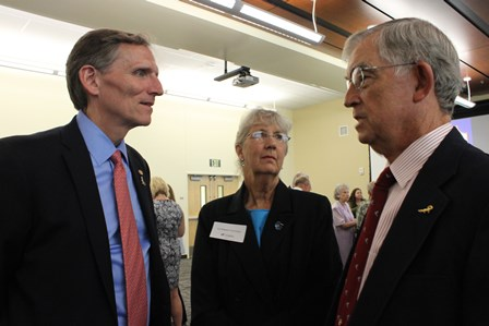 Dean Lloyd visits with Kathy and Art Hornsby, UF Veterinary Hospitals clients and college supporters.